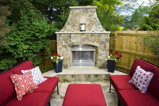 OutdoorFireplaceWeb
